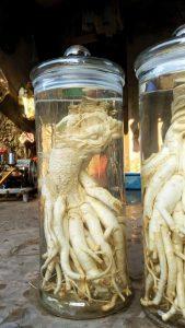 ĐInh lăng điêu khắc cá chép hóa rồng